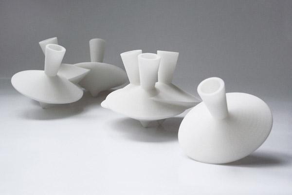 Dancing vases 01