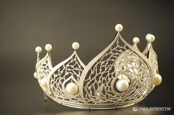miss russia 2010 crown