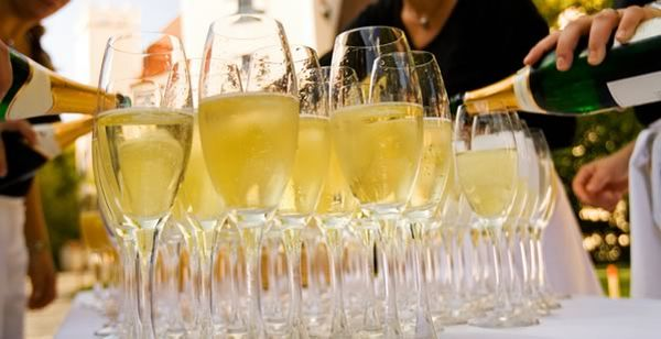 marquee hire champagne Brighton to get it's very own Champagne Bar by