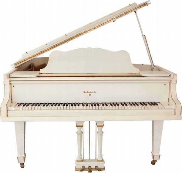elvis-piano