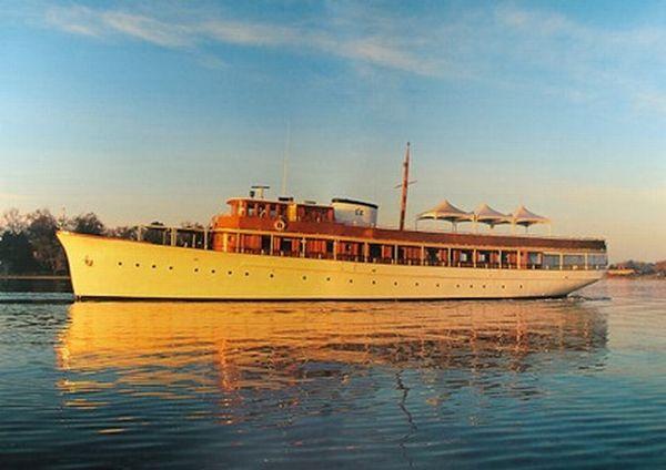 miss-ann-fantail yacht