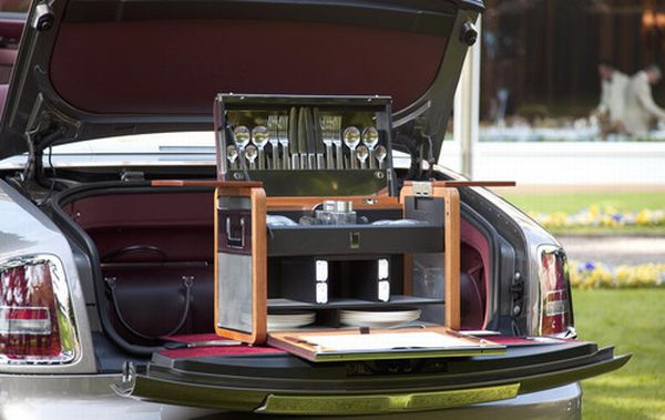 rolls-royce-picnic-set