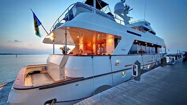 emerald isle yacht