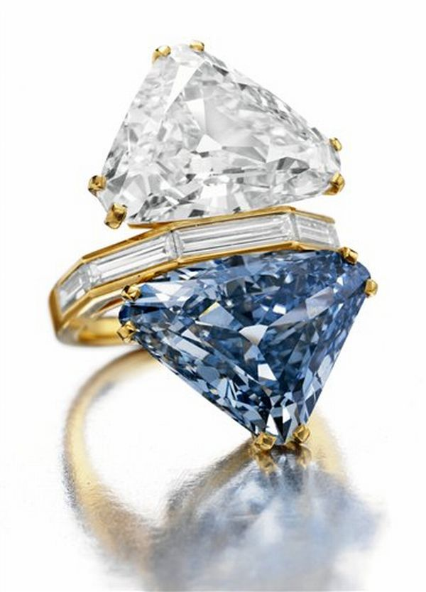 two stone Blue Diamond Ring Auction