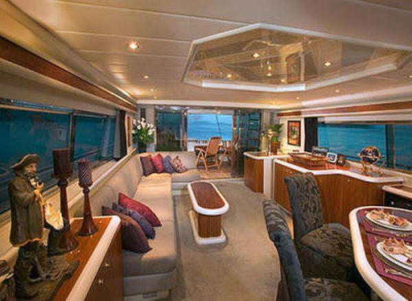 Luxury-yachts-charter