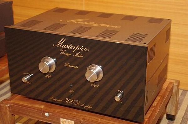 HIGH END VINTAGE Masterpiece-vintage-audio-amplifier