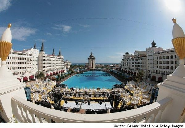 Mardan Palace Hotel Turkey World's Leading Luxury Hotel for 2010 is Being Powered by Generators