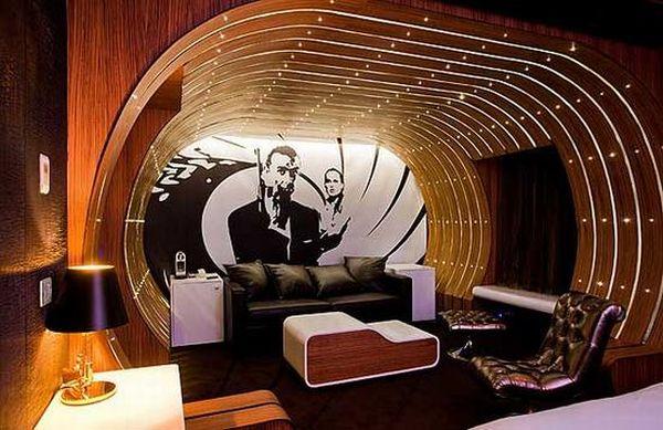 Suite 007