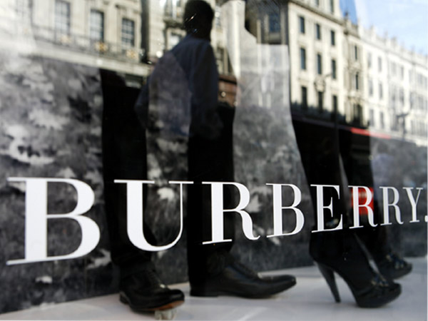 burberry_opens_second_delhi