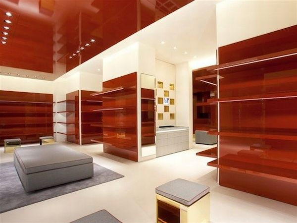 Stefano pilati designs the ysl retail space in las vegas for Retail space design