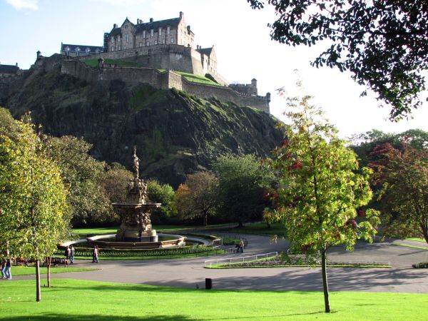Edinburgh+Castle Magical Side of Britain to be Highlighted for the Ultra Rich Visitors
