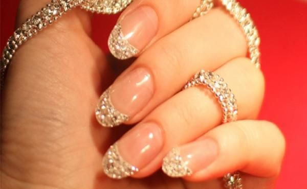 iced-diamond-manicure