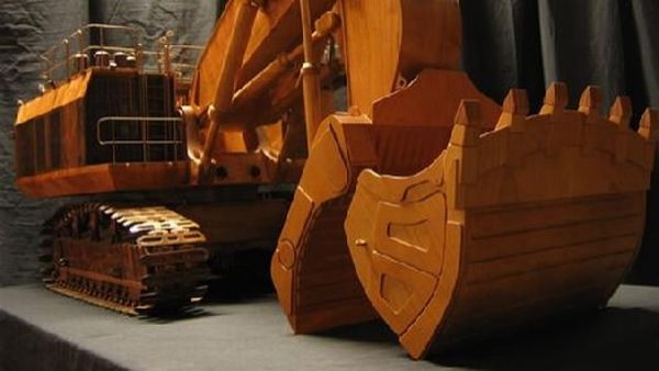 caterpillar-5230b-excavator-wooden-model