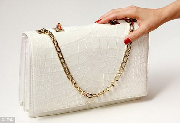 victoria_handbag_selfridges
