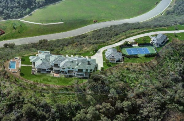 Ariel view of luxury estate owned by Pete Sampras