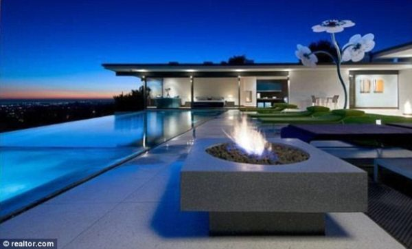 Outdoor Party Spot with Pool & Fire Pit