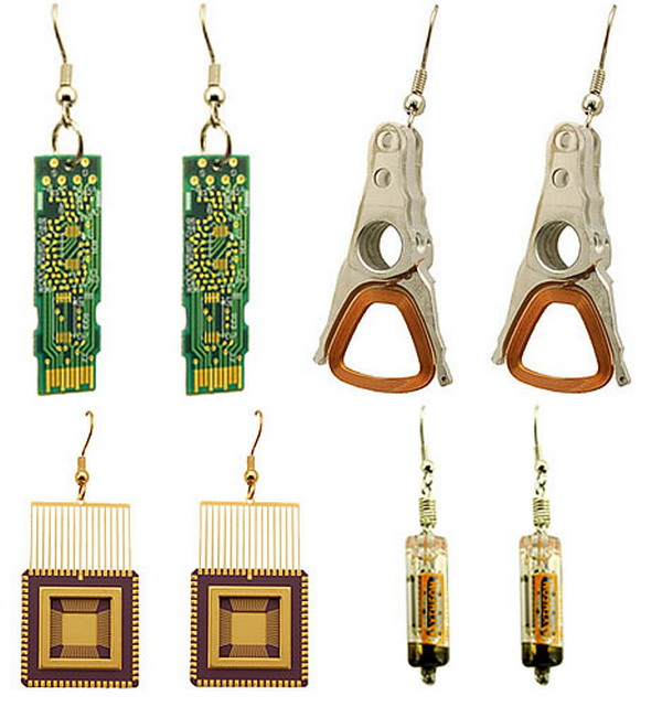 geek jewels Raise Your Fun Quotient With Cool Geeky Jewelry