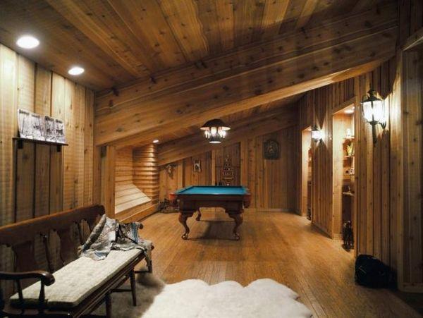 a-pool-room-with-a-slant