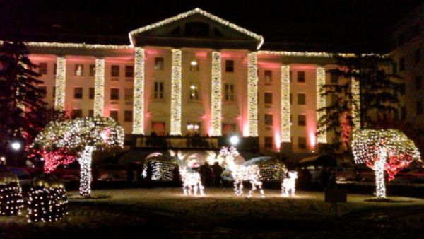 Greenbrier-Christmas-lights