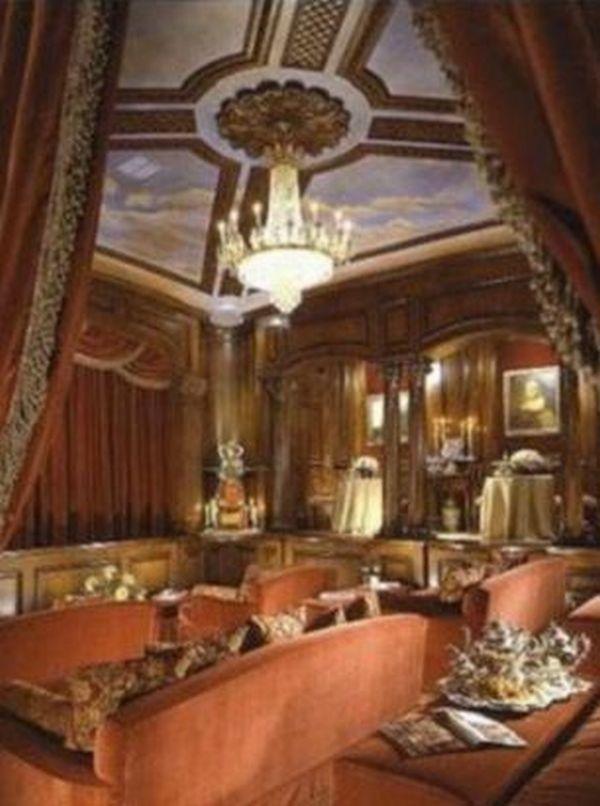carolwood mansion