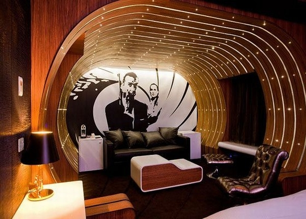 Hotel seven in paris treats movie buffs with hollywood for Secret design paris