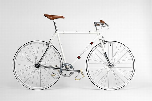 Guccis City Bike Gucci Designs a Bike and Helmet for Bianchi
