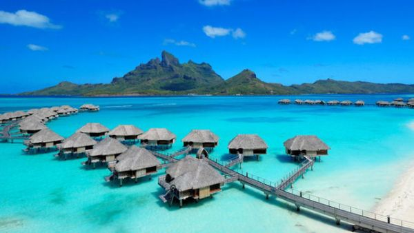 Four-Seasons-Resort-Bora-Bora