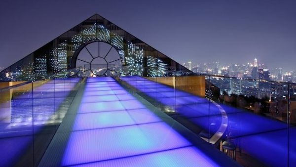 Tower-Club-at-lebua-roof