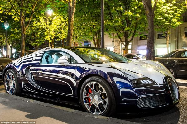 Bugatti Veyron supercar made of PORCELAIN Bugatti Veyron Grand Sport L'Or Blanc Comes with a Porcelain Finish