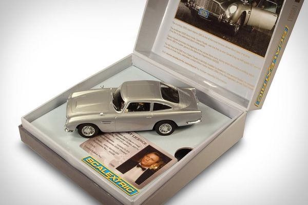 scalextric-james-bond-xl