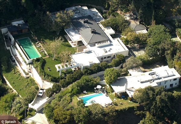 Beverly Hills Estate Bought by Ryan Seacrest