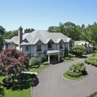 Linwood, a lakefront estate