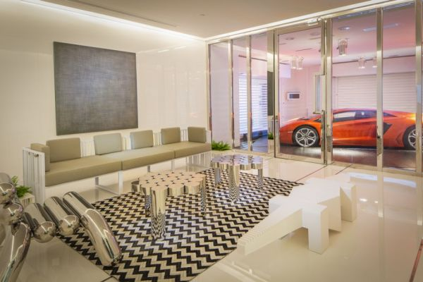 En-Suite Sky Garage