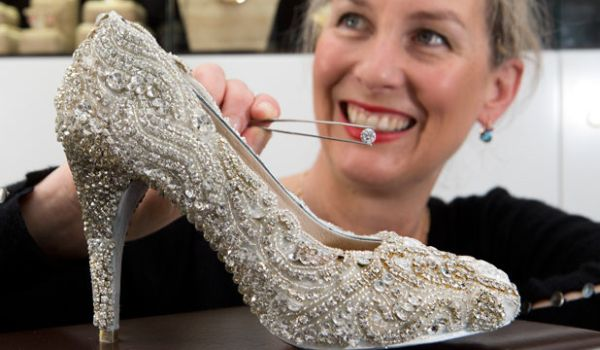 Sarah Hutchings with $500,000 Shoe