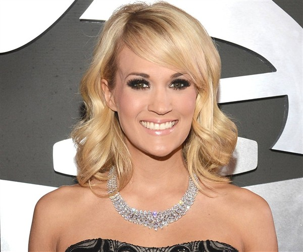 Carrie underwood grammys jewellery