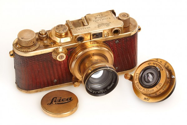 gold-plated-luxus leica camera