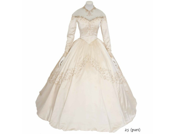 elizabeth-taylor wedding gown