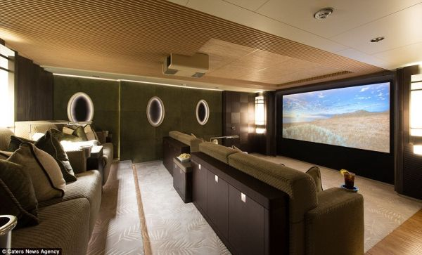 The Yacht Features a 3D Cinema