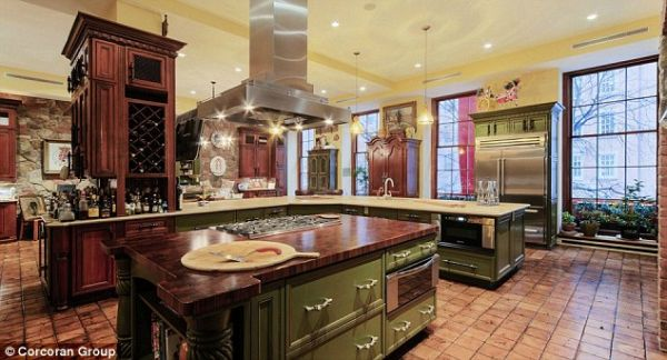 The 40 feet Wide Kitchen