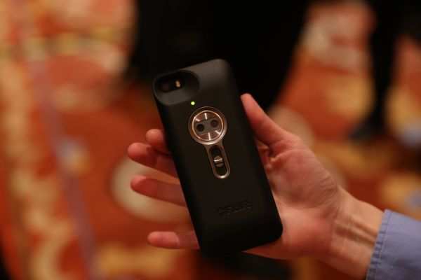 iPhone Case with Thermal Imaging Camera