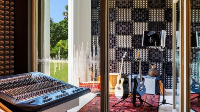 Music-Studio-Voice-Room